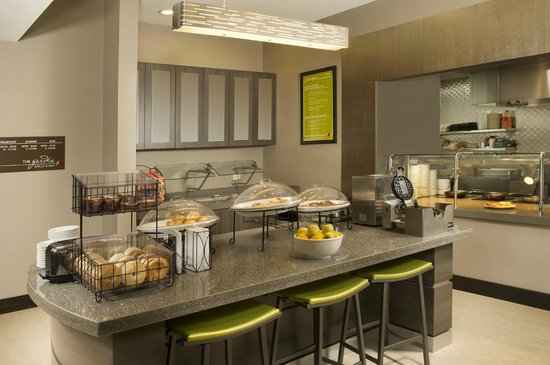 Hilton Garden Inn College Station Hotel Dining - Breakfast