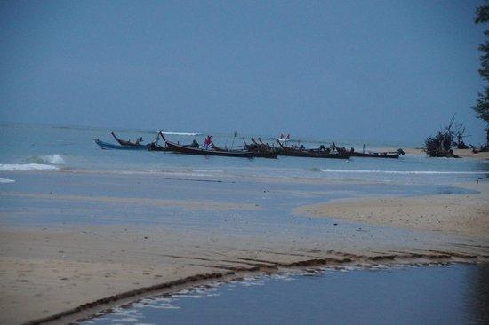 Nai Yang Beach: NaiYang november
