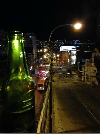 Hostal Vista Hermosa 26 : vista nocturna desde el balcon