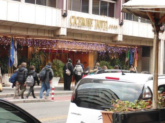 The Hotel Cicerone entrance