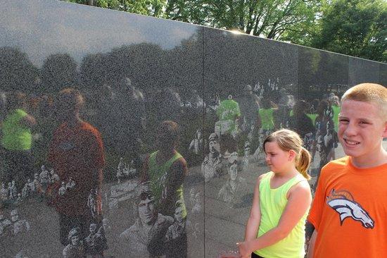 Vietnam Veterans Memorial: Vietnam war memorial