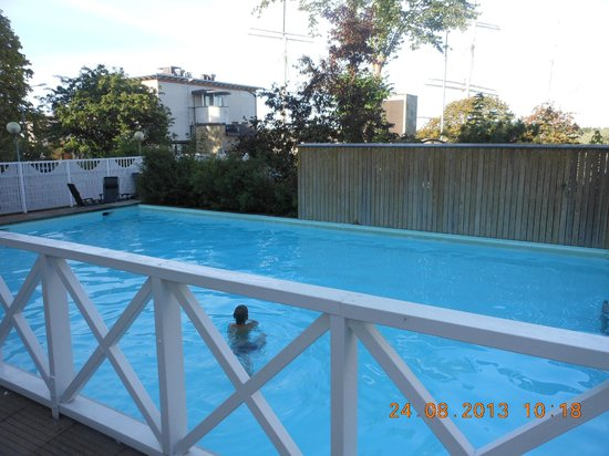Hotel Cikada: подогреваемый бассейн