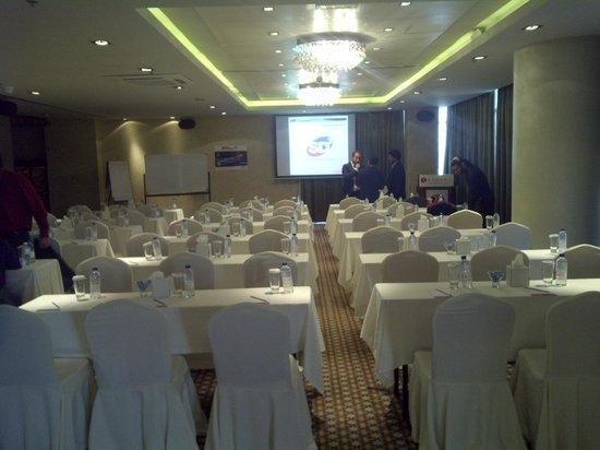 Ramada Chelsea Al Barsha: Sala congressi