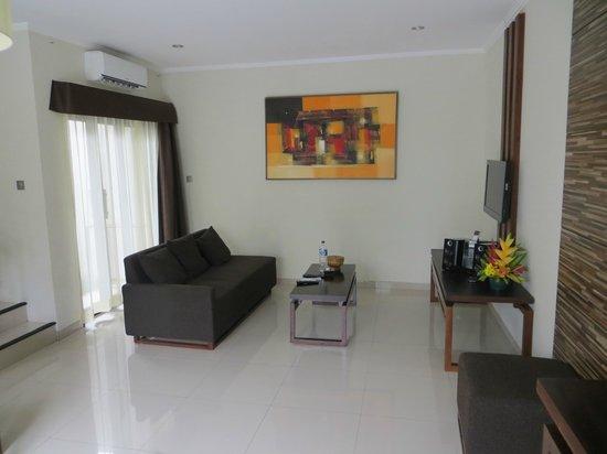 Uppala Villa Seminyak: living room
