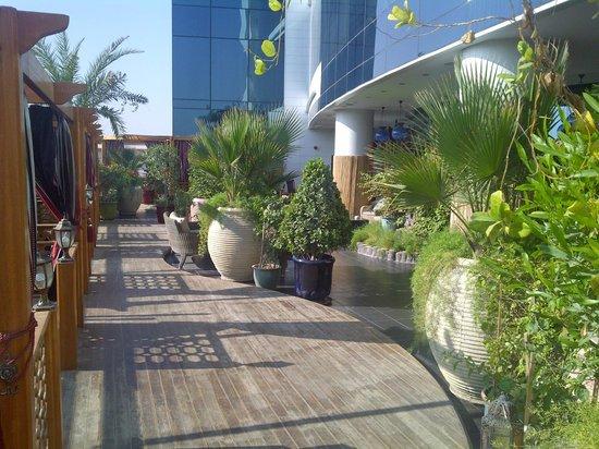 Ramada Chelsea Al Barsha: Esterno