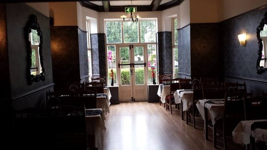 Shoulder of Mutton: Our Newly refurbished dining room