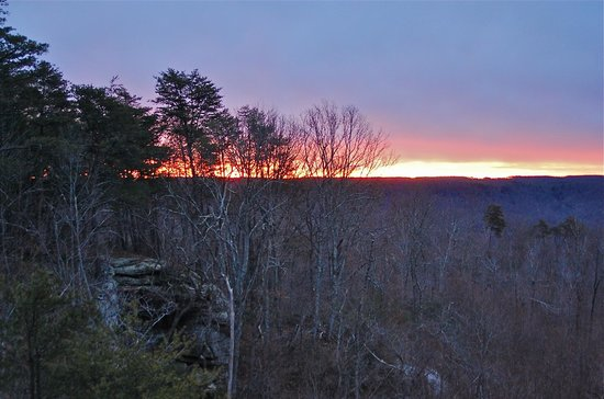 The Garden Inn: Sunrise from Mountain Air Guestroom
