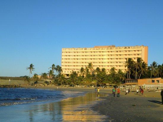 Hotel Ngor: View of the hotel from the beach