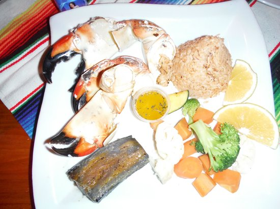 Rose's Grill & Bar: stone crab claws