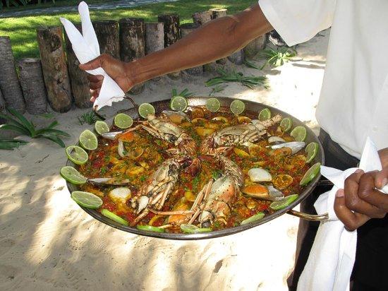 Zoetry Agua Punta Cana: Delicious Paella