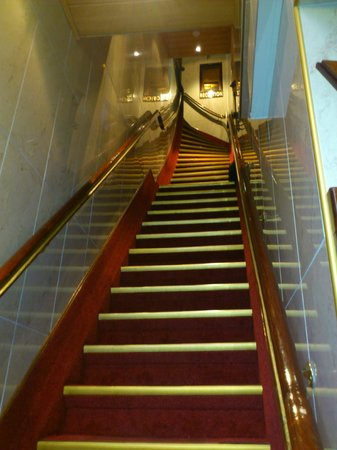 Hotel Nadia: First challenge - longest, steepest staircase ever seen!
