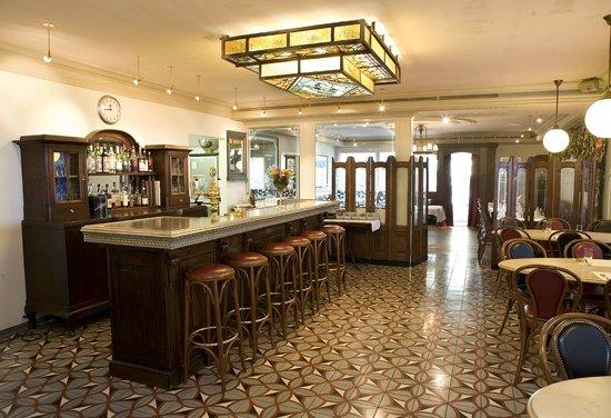 Bistrot parisien style fotograf a de restaurant - Cuisine style bistrot parisien ...