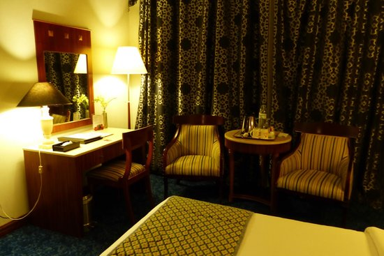 Regent Palace Hotel : Our room