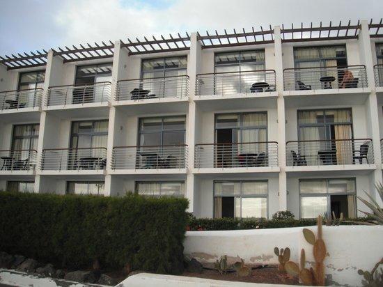 THe Mirador Papagayo: View of sea view rooms 445/446 - top centre