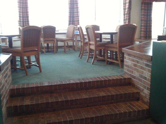 Quality Inn Lake Placid: big breakfast area