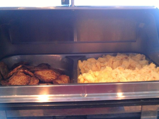 Quality Inn Lake Placid: hot breakfast, part of the many options