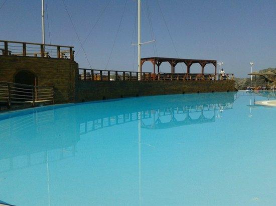 Kalypso Cretan Village: Une des piscines. Bar original.
