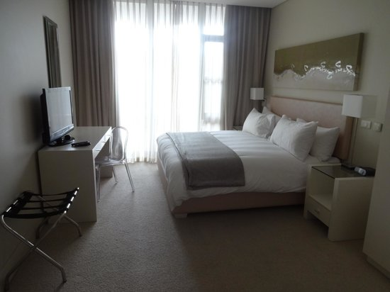 Lawhill Luxury Apartments : Main bedroom