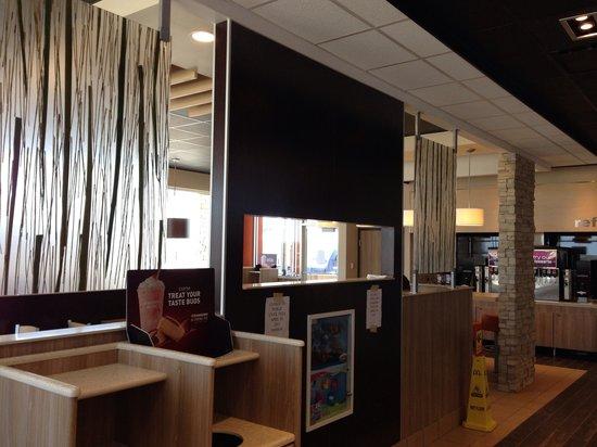 McDonald's: getlstd_property_photo