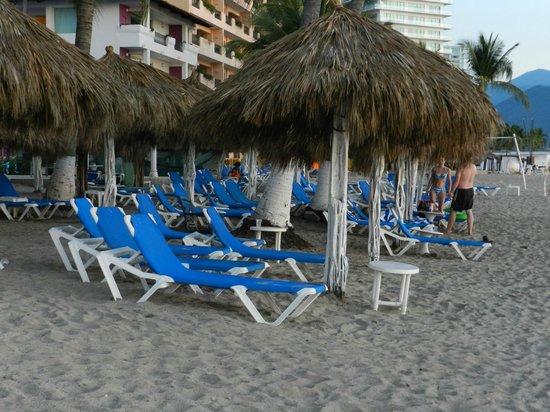 Crown Paradise Club Puerto Vallarta: Beach huts