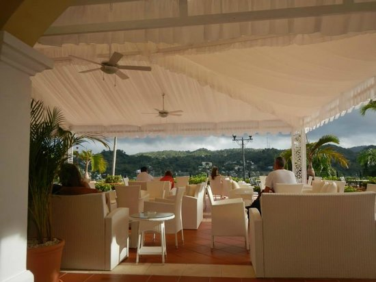 Grand Bahia Principe Cayacoa : Lobby with great view