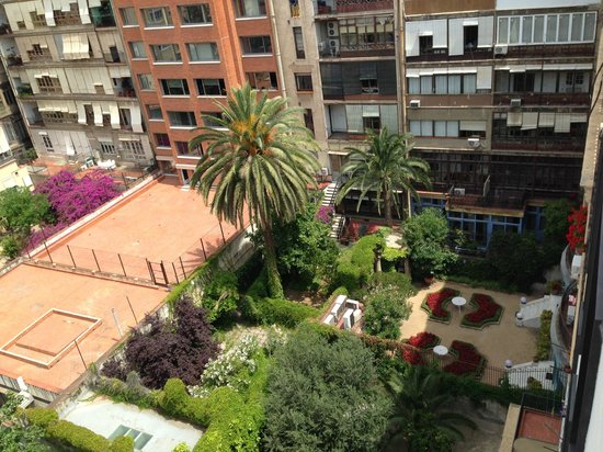 Alma Barcelona: View from room into surrounding courtyards