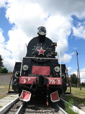 Khvoynaya, Ρωσία: Памятник паровозу в локомотивном депо Хвойная