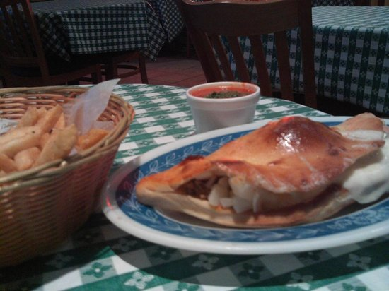 Bazzi's Pizza : we had 2 calzones, fries,chicken fingers, beer and soda,yummy food.