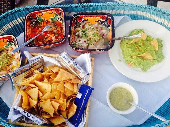Hotel B Cozumel: Our favorite: ceviche and guac. FABULOUS!!! So fresh and delicious.