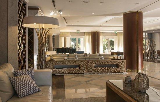 Holiday Inn Nice - Saint Laurent Du Var: Hall / Lobby