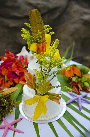 Pelican Reef Villas Resort: Our Wedding Cake