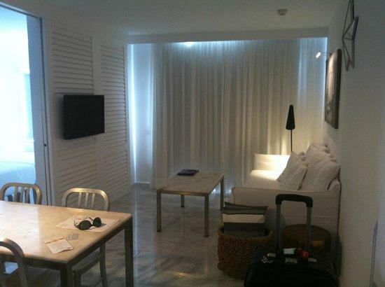 Marina Bayview: Vardagsrum/köksdel
