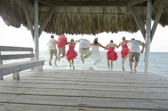 Pelican Reef Villas Resort: Trash the Dress