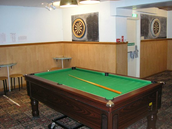 The Sutherland Hotel: Pool and Darts in the pub