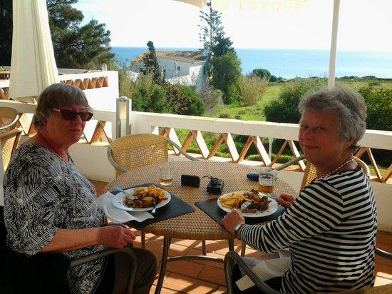 Praia Grande Restaurante & Bar: Chicken piri-piri. Wunderbar