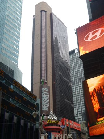 Crowne Plaza Times Square Manhattan: Our room at the top!