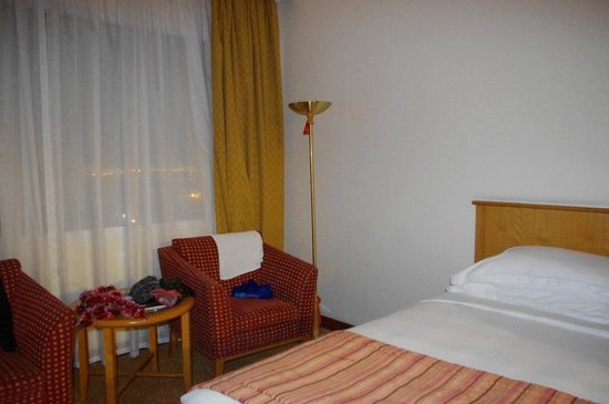 Swiss-Belhotel Sharjah : в номере