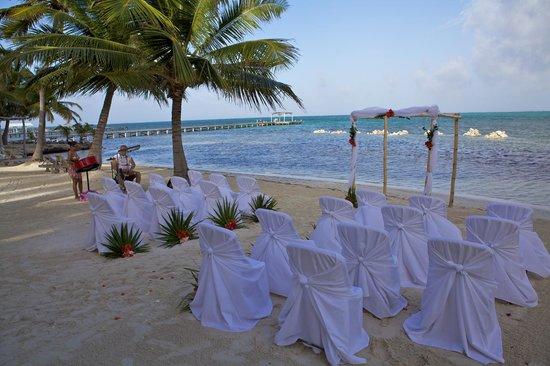 Pelican Reef Villas Resort: Wedding Setup