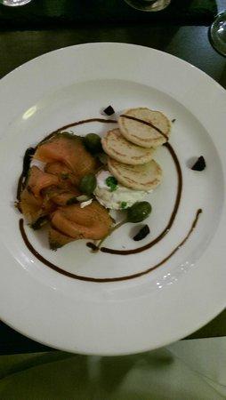 Mercure Brandon Hall Hotel and Spa Warwickshire : Starter - Salmon Gravadlax, baby beets, horseradish creme fraiche