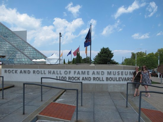 Rock & Roll Hall of Fame: 2010 Visit to R'n'R Hall of Fame