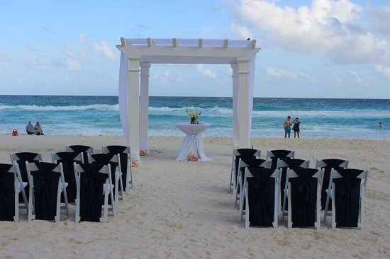 Secrets The Vine Cancun Wedding Ceremony