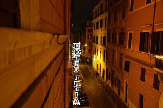 Hotel Julia: Notte Roma