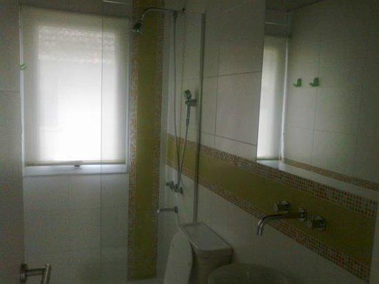 Kaia Aparts & Spa: Toilette