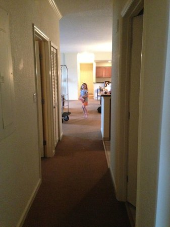 Lake Buena Vista Resort Village & Spa: Hallway of 4 bedroom, 4 bathroom room.