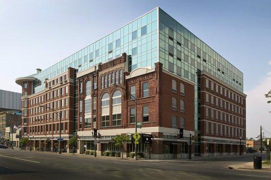 Hampton Inn and Suites Columbus Downtown: Exterior