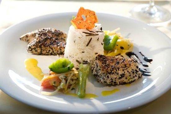 Restaurant Feinschmeck: Mittags und auch abends bieten wir in unserem Restaurant mediterrane, internationale und regiona