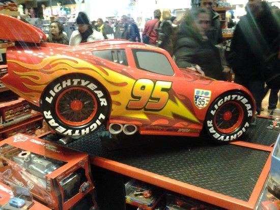 Toys 'R' Us Times Square: Mola el Rayo.