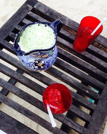 Hotel B Cozumel: Pineapple mint juice. Best non alc drink!!