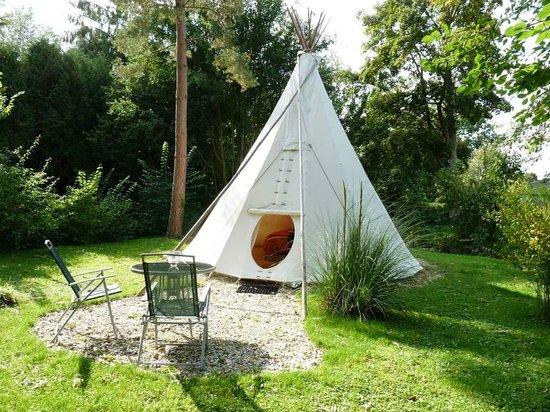 h bergement insolite tipi photo de moulin aux moines croissy sur celle tripadvisor. Black Bedroom Furniture Sets. Home Design Ideas