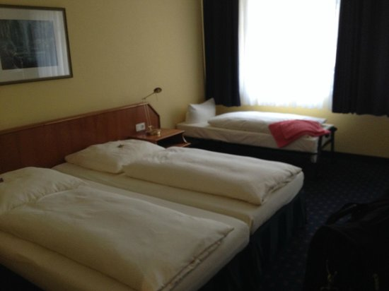 Hotel Ratswaage: King Bed and rollaway